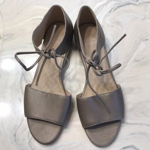 Eileen Fisher Size 7 Block Heel Sandals